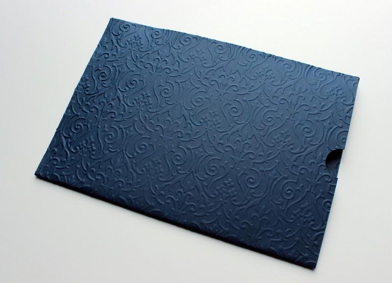 envelope azul marinho