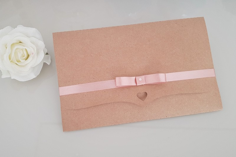 Envelope com fita